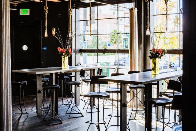 Streetside Lounge